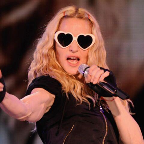 Madonna craque pour les lunettes Moschino