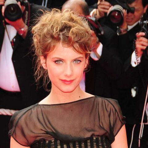 Cannes 2011– Mélanie Laurent: maîtresse de cérémonie en or et en Dior