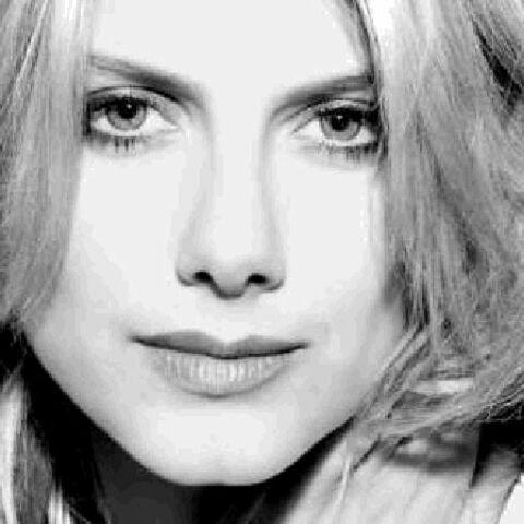 Mélanie Laurent, égérie du parfum Hypnotic Poison de Dior