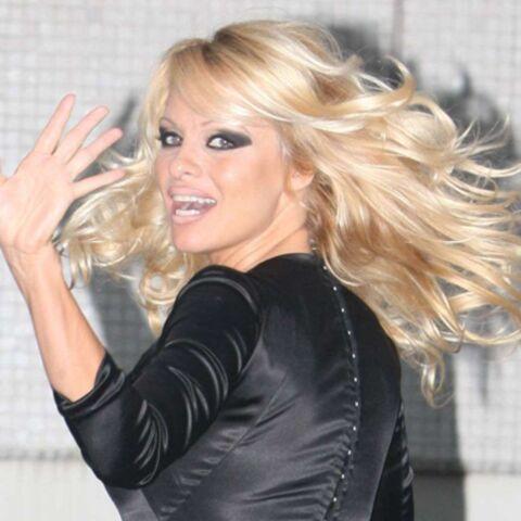 Pamela Anderson devient l'égérie de Vivienne Westwood