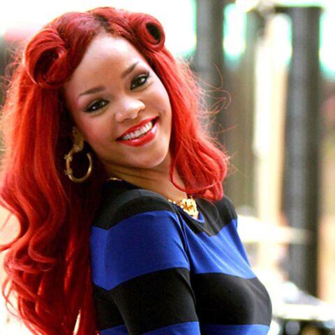 Rihanna prend la pose pour Armani