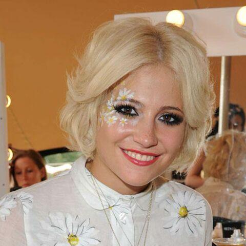 Le beauty look fleuri de Pixie Lott