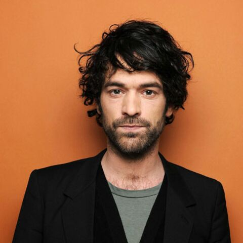 Les beauty looks de Romain Duris