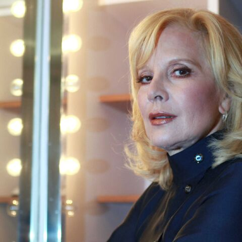 Sylvie Vartan prend la défense de Carla Bruni