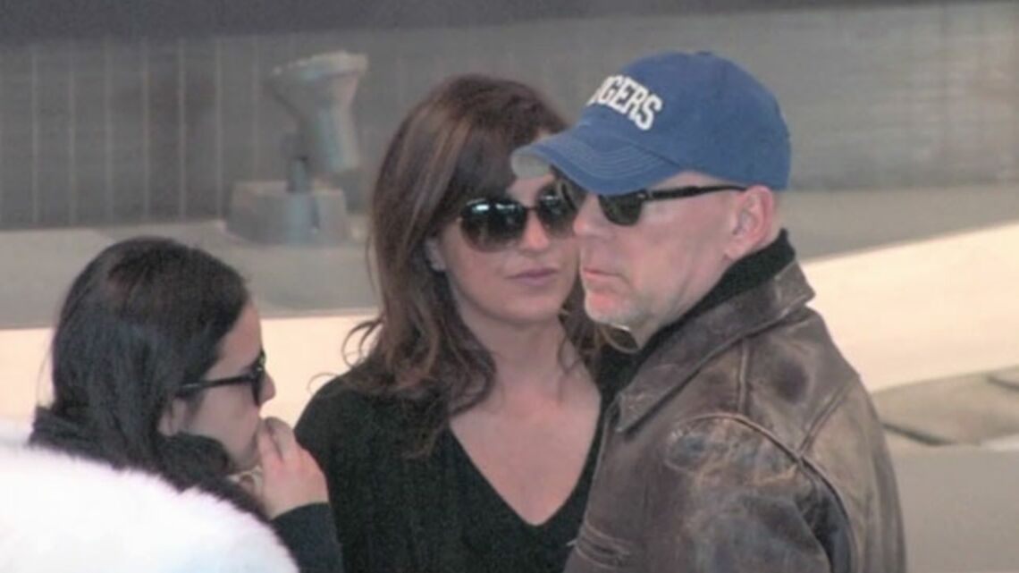 Vidéo- Bruce Willis débarque à Paris