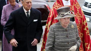 Vidéo – Elisabeth II prend l'eau