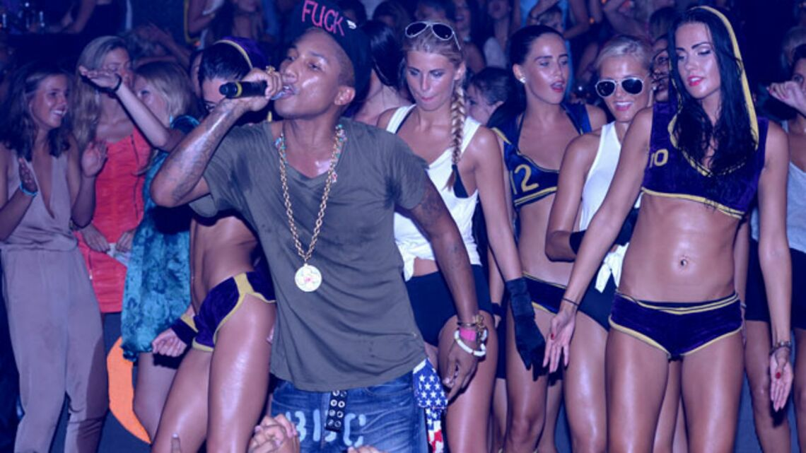 Gala By Night: Pharrell Williams enflamme le Gotha Club