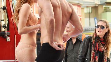 VIDEO- Heidi Klum joue les maîtresses de shooting lingerie
