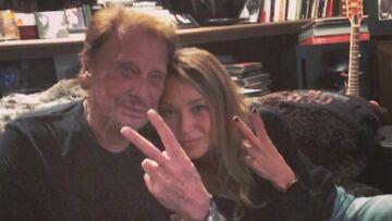 VIDEO – Johnny Hallyday et Laura Smet ultra complices: le père et la fille partagent un joli moment en studio