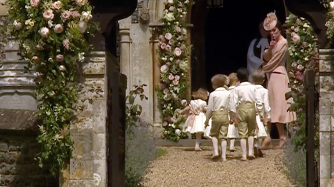 VIDEO – la Princesse Charlotte et le Prince George, so cute au mariage de Pippa Middleton