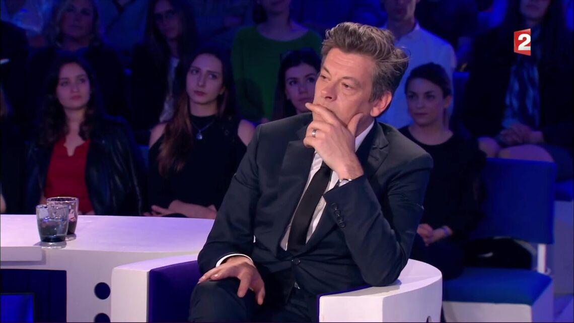 VIDEO: Benjamin Biolay parle de son duo très chaud avec Chiara Mastroianni
