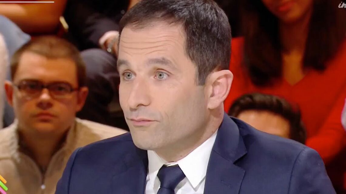VIDEO- Benoit Hamon défend sa femme et clashe Karine Le Marchand