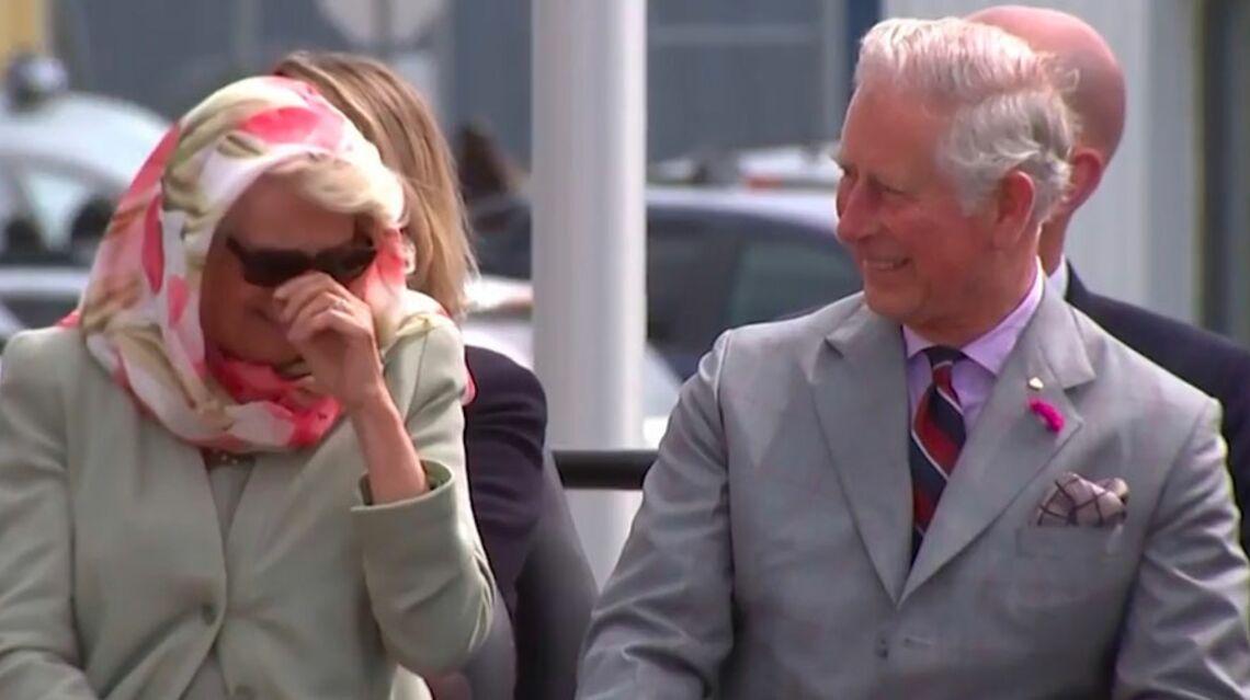 VIDEO- Le prince Charles et Camilla, victimes d'un fou rire communicatif