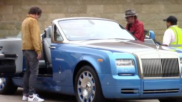 VIDEO – Johnny Hallyday: une Bentley pour continuer à profiter de la vie