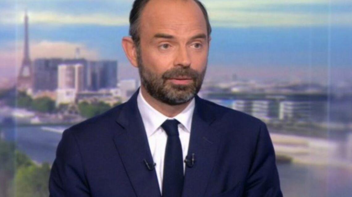 VIDEO – Edouard Philippe fan de boxe étonné de découvrir que Manuel Valls a aménagé une salle à Matignon