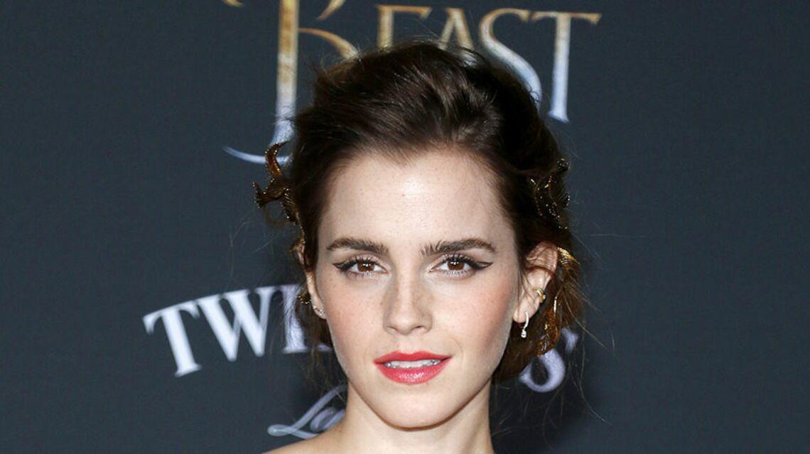 VIDEO – Emma Watson répond à la polémique après avoir posé seins nus