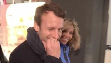 VIDEO – Quand Emmanuel Macron fait le mur pour faire une partie de tennis