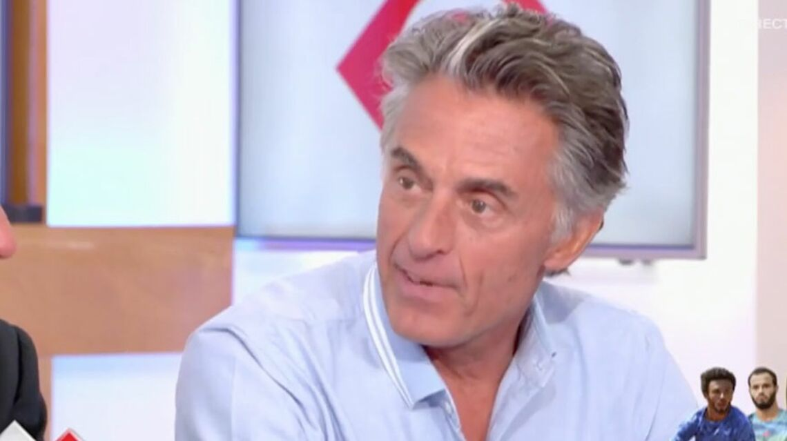 VIDEO – Gérard Holtz défend Maxime Hamou, le tennisman qui a embrassé une journaliste de force