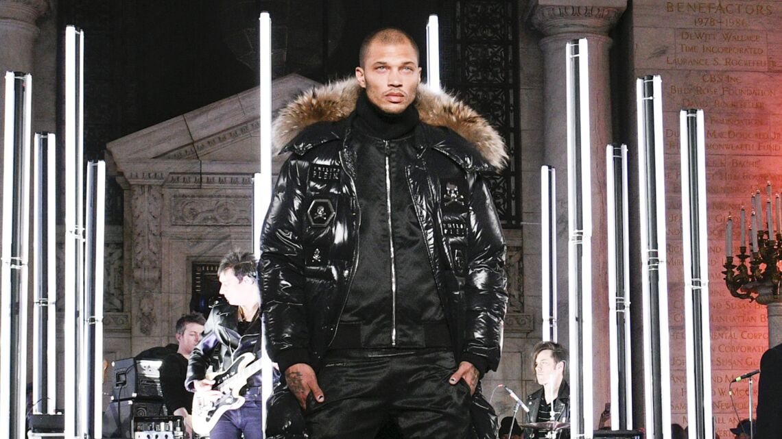 VIDÉO – Jeremy Meeks, le repris de justice devenu mannequin, défile à la New York Fashion Week
