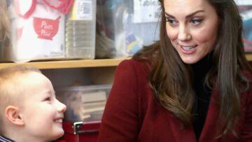 VIDEO- Kate Middleton se risque à une partie de billard