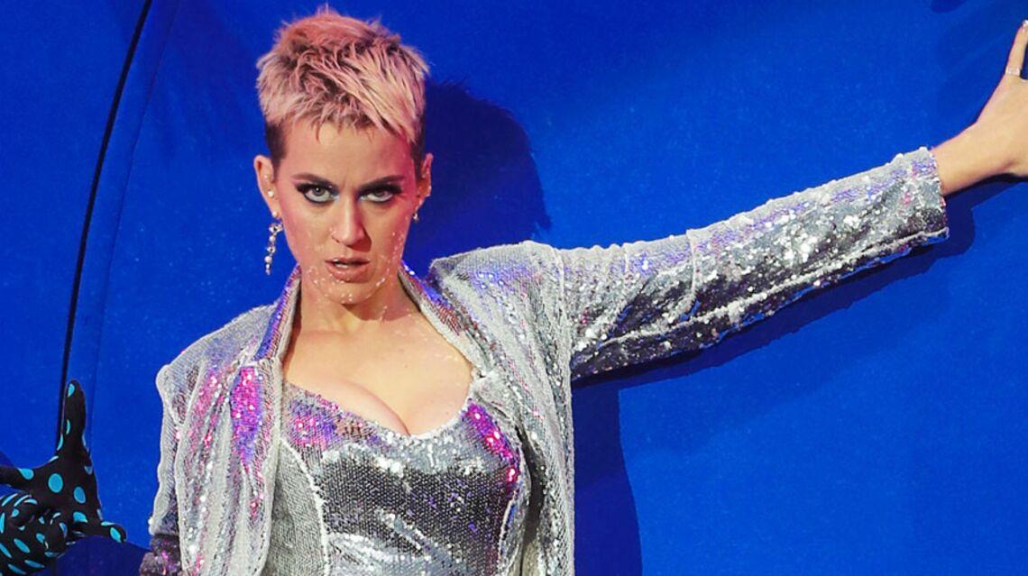 VIDEO – Katy Perry invitée de la demi-finale de The Voice: les télé crochets se l'arrachent