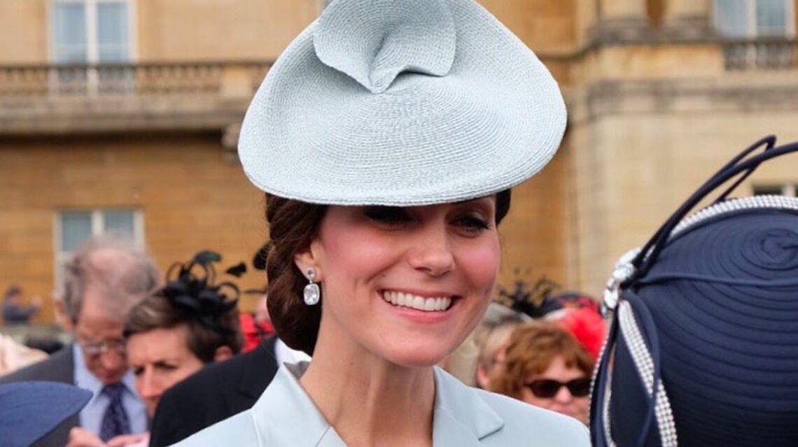 VIDEO – Buckingham Palace: une garden party de 8 000 invités