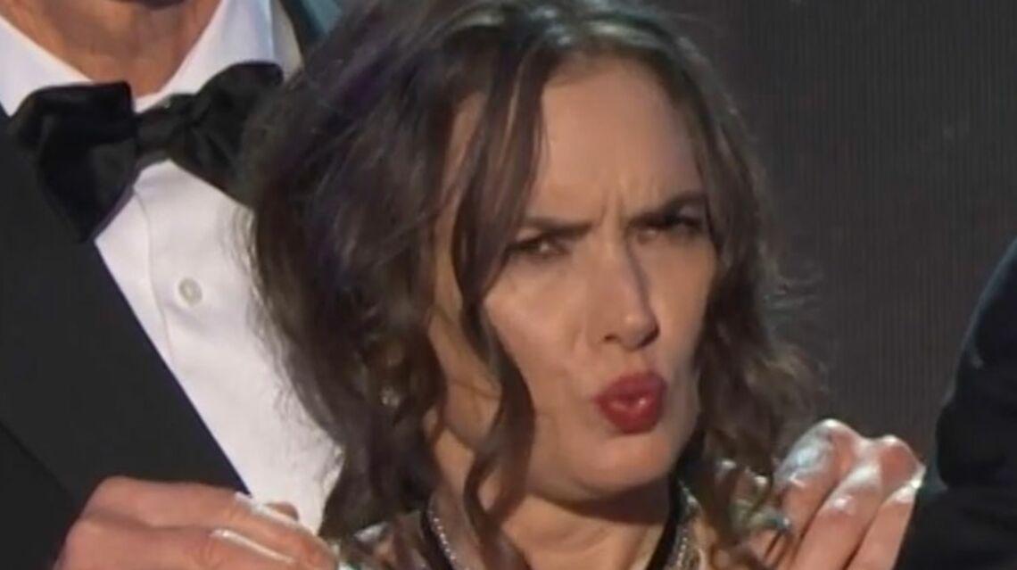 VIDEO – Winona Ryder dans un drôle d'état, était-elle droguée aux SAG Awards?