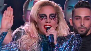 VIDEO – Lady Gaga enflamme la mi-temps du Super Bowl avec un show délirant et tolérant