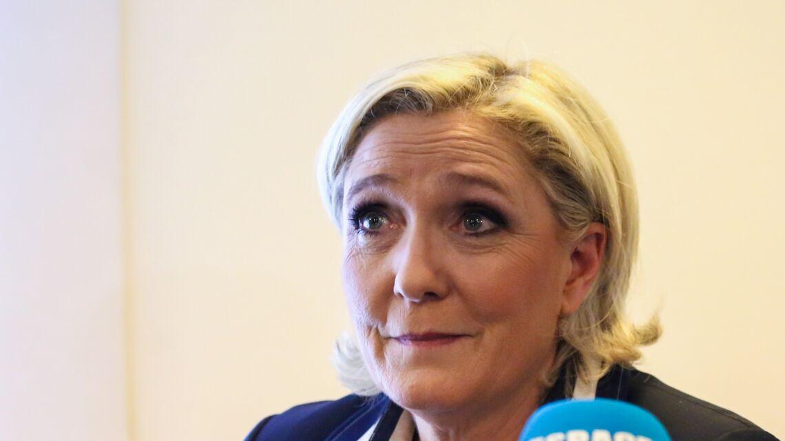 VIDEO – Le shampooing aux œufs de Marine Le Pen