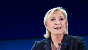 VIDEO – Malgré la défaite Marine Le Pen la « night clubbeuse » danse sur du Jean-Jacques Goldman