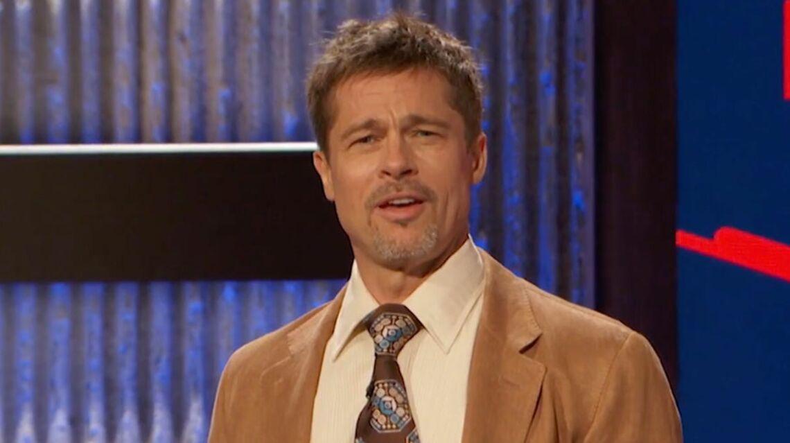 VIDEO – Brad Pitt, le nouvel Evelyne Dhéliat de la télévision américaine