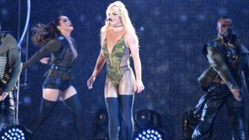 VIDÉO – La sécurité de Britney Spears sur les dents quand un homme monte sur scène