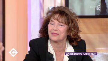 VIDEO – Jane Birkin trop dans l'ombre de Serge Gainsbourg? Lou Doillon, la fille de Jacques Doillon, a pu en souffrir