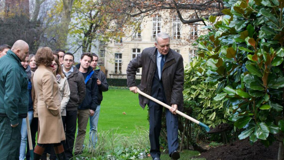 Vidéo- Jean-Marc Ayrault plante à Matignon