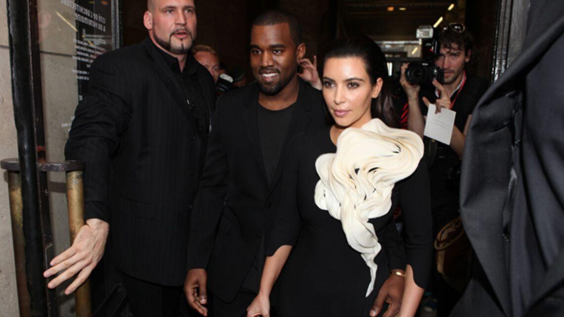 Vidéo Exclu – Kanye West et Kim Kardashian en backstage du défilé Stéphane Rolland