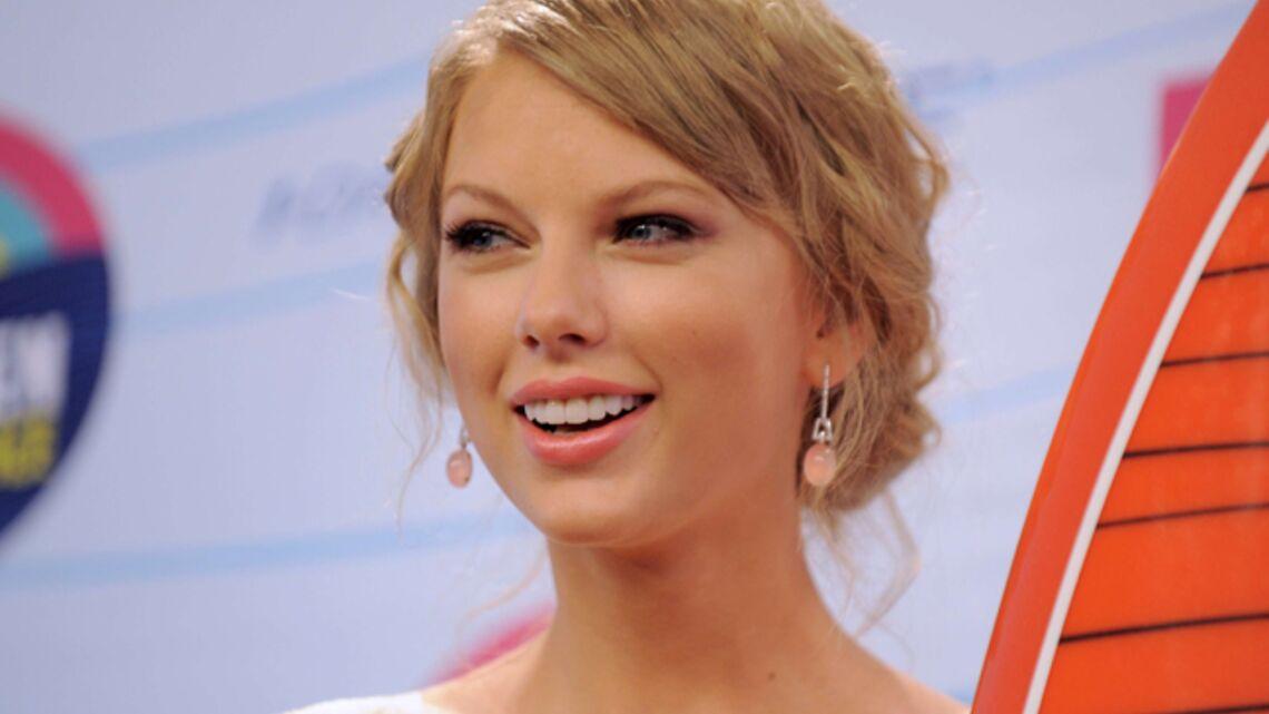 Vidéo- Taylor Swift joue les grandes aux Teen Choice Awards