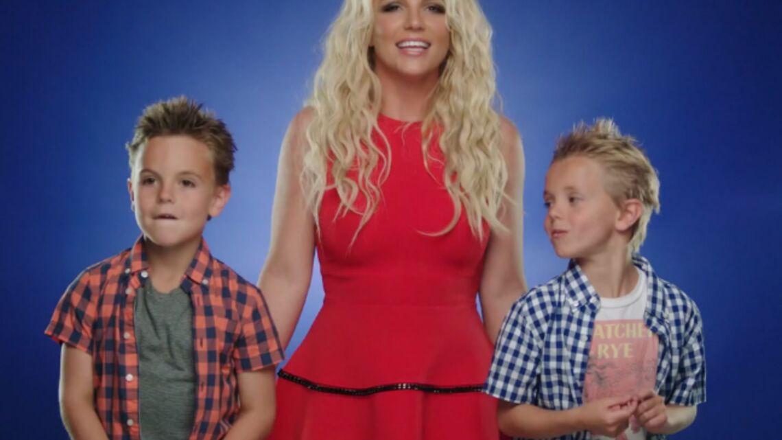 Vidéo- Britney Spears est une super maman Schtroumpf