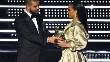 Vidéo – Rihanna et Drake: le baiser qui confirme la rumeur