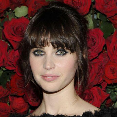 Felicity Jones, égérie beauté pour Dolce & Gabbana