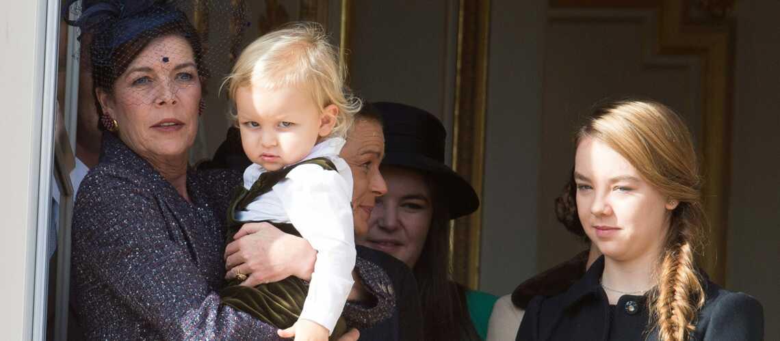 Caroline, si fière de présenter son petit-fils