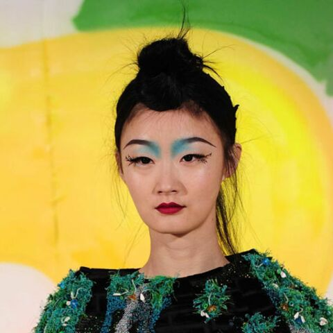 Tendance beauté des défilés – Geisha choc chez Manish Arora