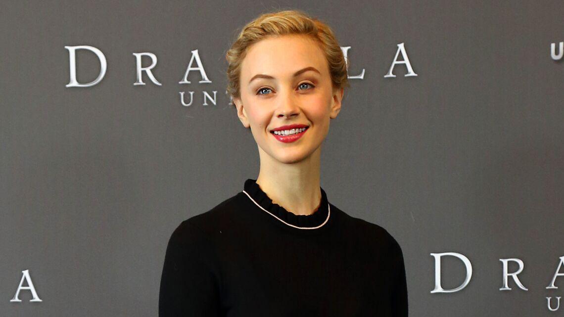 Vidéo – Interview de Sarah Gadon, rayonnante dans Dracula Untold