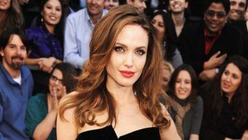 Angelina Jolie marque de nouveau sa peau