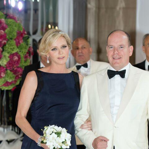 Photos- Charlene de Monaco, enceinte et radieuse au Gala de la Croix-Rouge