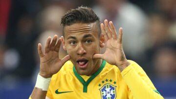 PHOTOS – Neymar arrive au PSG: toutes les coupes de cheveux authentiques et extravagantes du joueur