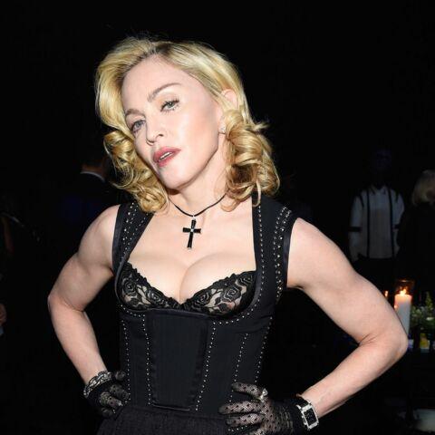 Madonna topless pour l'art