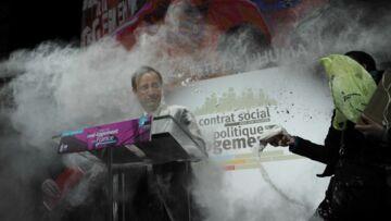 Vidéo- François Hollande enfariné, c'est la Chandeleur avant l'heure
