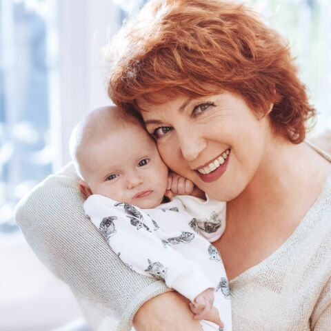 Véronique Genest: l'art d'être grand-mère