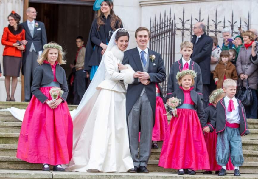 Un cliché immortalisant les jeunes mariés sur le parvis