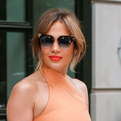 PHOTOS – 5 leçons de style par Jennifer Lopez